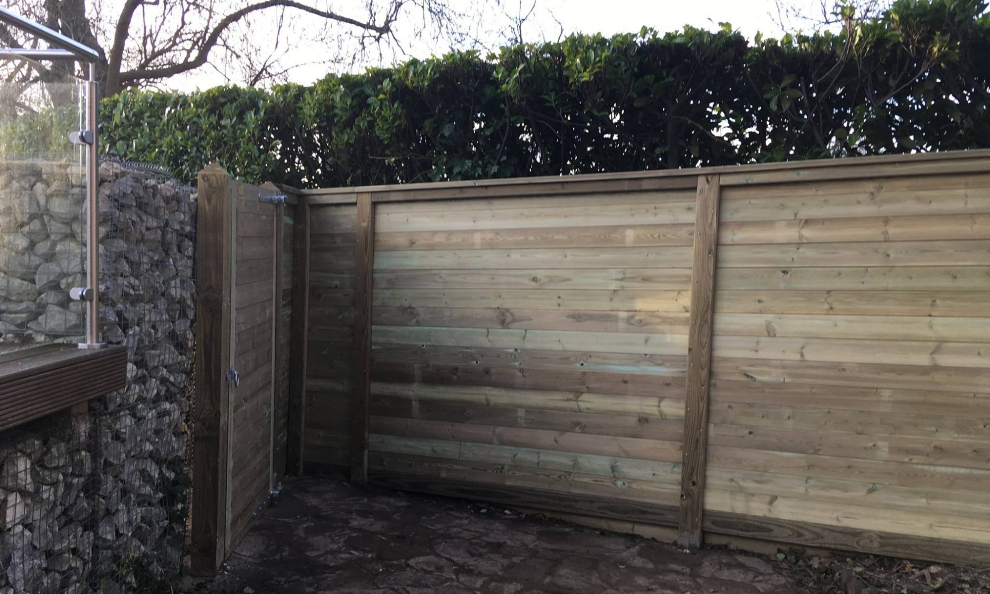 Acoustic Fencing install stopping road noise